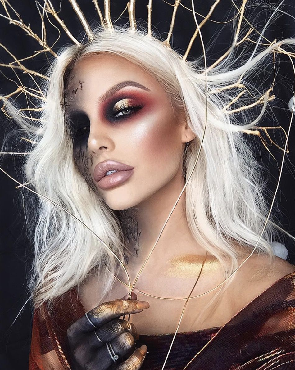 41 Most Jaw-Dropping Halloween Makeup Ideas That Are Still Pretty: Goddess Makeup for Halloween / Click though to see more awe inspiring pretty Halloween makeup looks, gorgeous Halloween makeup and Halloween costumes. #halloweenmakeup #halloweenmakeuppretty #halloweencostumes #halloweenmakeupinspo #goddessmakeuphalloween
