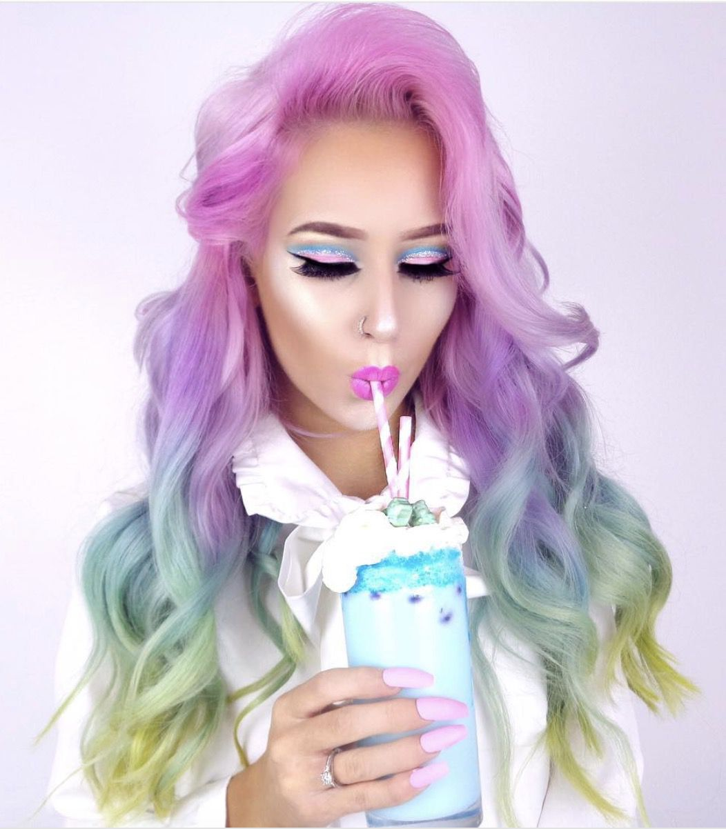 41 Most Jaw-Dropping Halloween Makeup Ideas That Are Still Pretty: Mermaid Hair / Unicorn Hair. Click though to see more awe inspiring pretty Halloween makeup looks, gorgeous Halloween makeup and Halloween costumes. #halloweenmakeup #halloweenmakeuppretty #halloweencostumes #halloweenmakeupinspo #mermaidhair #unicornhair