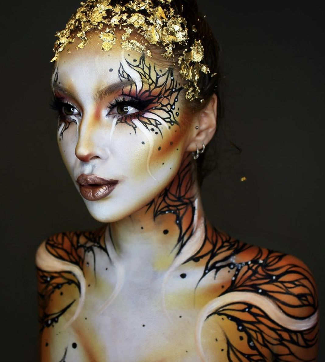 41 Most Jaw-Dropping Halloween Makeup Ideas That Are Still Pretty: Bambi Animal Makeup / Click though to see more awe inspiring pretty Halloween makeup looks, gorgeous Halloween makeup and Halloween costumes. #halloweenmakeup #halloweenmakeuppretty #halloweencostumes #halloweenmakeupinspo #animalmakeup #bambimakeup