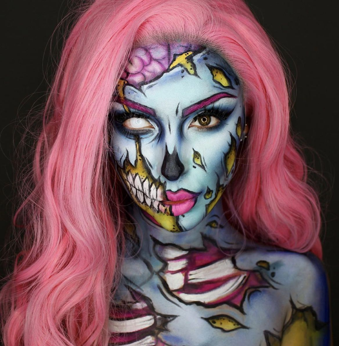 41 Most Jaw-Dropping Halloween Makeup Ideas That Are Still Pretty: Pretty Half Skull Makeup / Click though to see more awe inspiring pretty Halloween makeup looks, gorgeous Halloween makeup and Halloween costumes. #halloweenmakeup #halloweenmakeuppretty #halloweencostumes #halloweenmakeupinspo #halfskullmakeup #skullmakeup