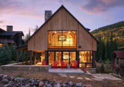 barn-inspired-home-exterior